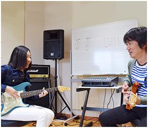 プレイヤーの自由な音楽表現のためにまずは基本を楽しく学ぶ!